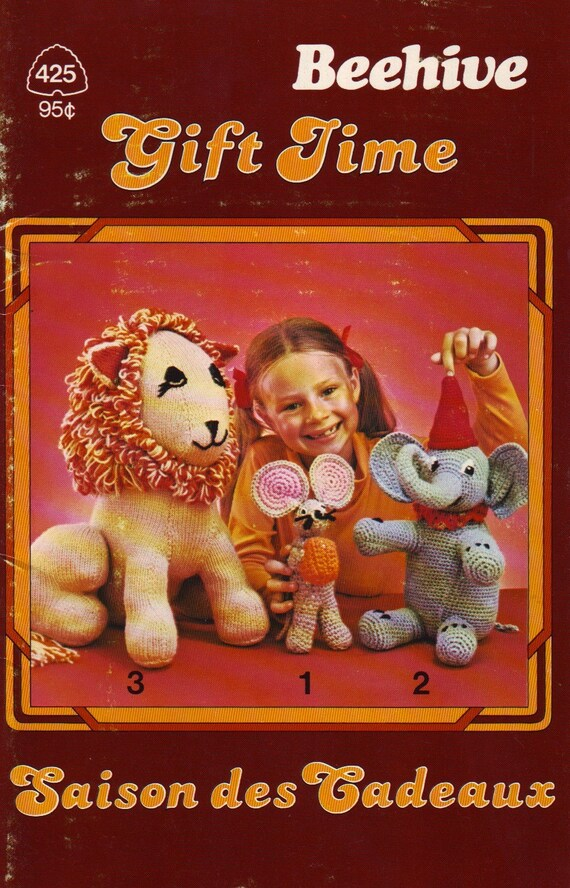 gift time, vintage 70s knitting pattern book, patons beehive 425, featuring great plush, accessories and novelties to make
