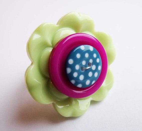 Button ring, flower, polka dot, kitsch, funky, handmade