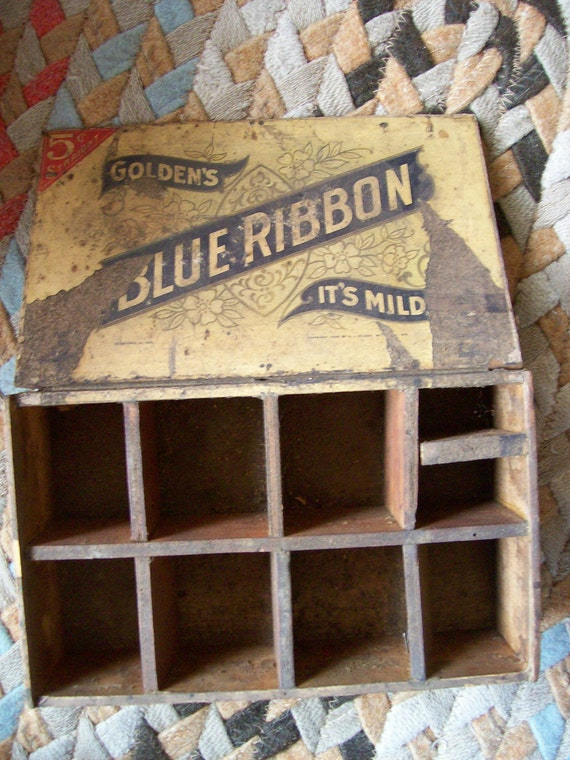 Antique Blue Ribbon Grungy Cigar Box From Philadelphia Copyrighted 1926 with Cubby Holes