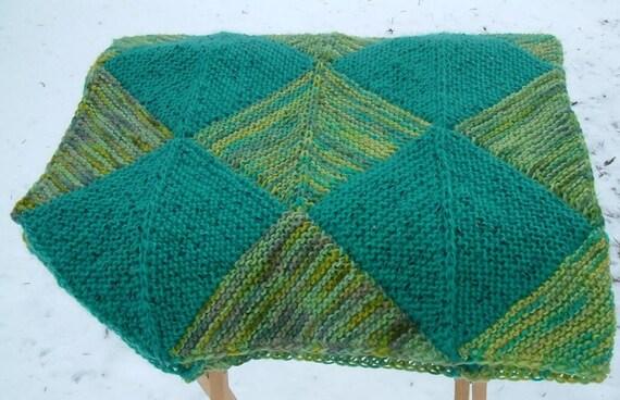 Domino Knitting Blanket Pattern : Diagonal Domino Squares Baby Blanket Pattern from ...