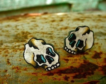 tiny little skulls earrings (silver plated studs/posts)