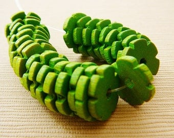 Vintage .. Wood Beads, Flower Spacer, Peridot Green Czech Daisy Spacer Jewelry supplies