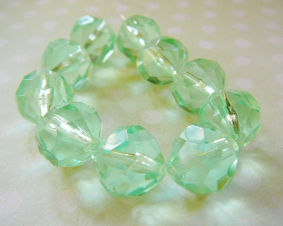 Vintage .. Bead, Plastic, Clear Mint Green Faceted 12mm Resin Beads
