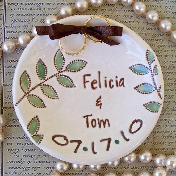 Ring Pillow Alternative, Wedding Ring Bowl with Elegant Dotted Leaves, Ring Bearer Bowl, Ring Warming Ceremony, Wedding Ring Holder