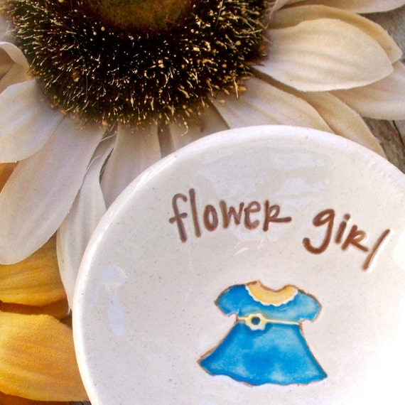 Personalized Flower Girl Ring Dish Gift - Ceramic Wedding  Keepsake Ring and Trinket Bowl - Wedding Party Gifts