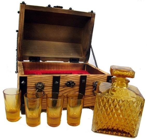 Vintage 70s Treasure Chest Liqueur Liquor Set Decanter and Shot Glasses