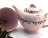 SALE Classic Pink Tea pot and Sugar pot