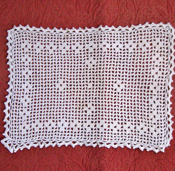 Vintage Filet Crochet Oblong DOILY 1940