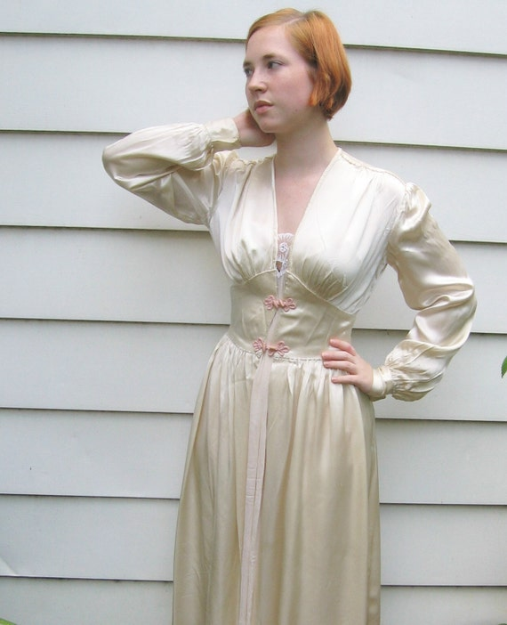 Vintage Glamour Satin Robe 1940s By Vintagous On Etsy