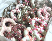VALENTINE CANDY - Chocolate covered pretzels - Gourmet Treat