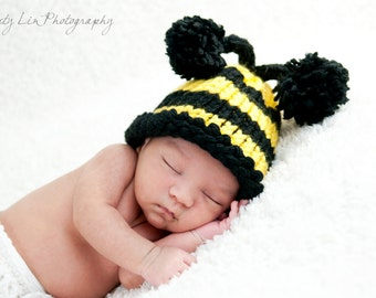 Bumble Bee Pom Pom Beanie/Hat Newborn-12 Month sizes Photography Prop-Made to order