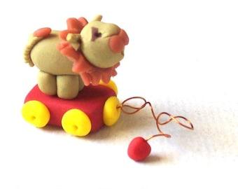 Lion Pull Toy, Little Lion, Miniature Sculpture, Dollhouse Scale, Animal Toy, Mini Lion, Unique Collectible
