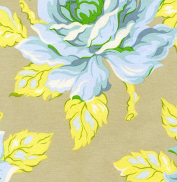 Going Out Of Business Sale Hello Roses in Dove, Heather Bailey Nicey Jane Fabric, 1 Yard