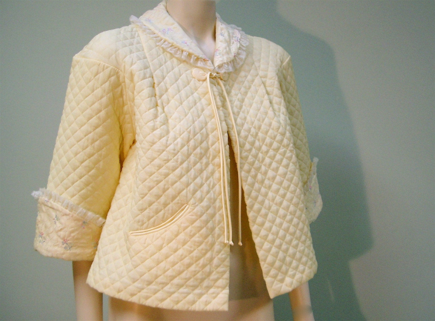 Vintage 1950 S Barbizon Quilted Bed Jacket Banana By