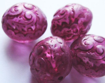 4 pretty vintage round etched beads