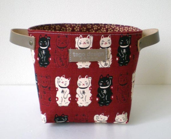 Fabric organizer basket with leather handles - Lucky cats in Red