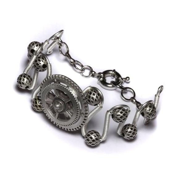 Steampunk Jewelry - Bracelet - Spinning Gear