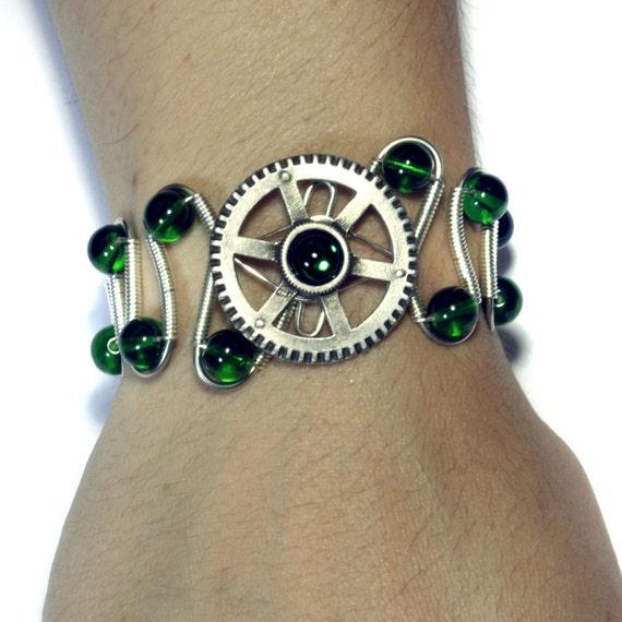 Steampunk Jewelry - Bracelet - Silver Gear and Emerald Green Glass