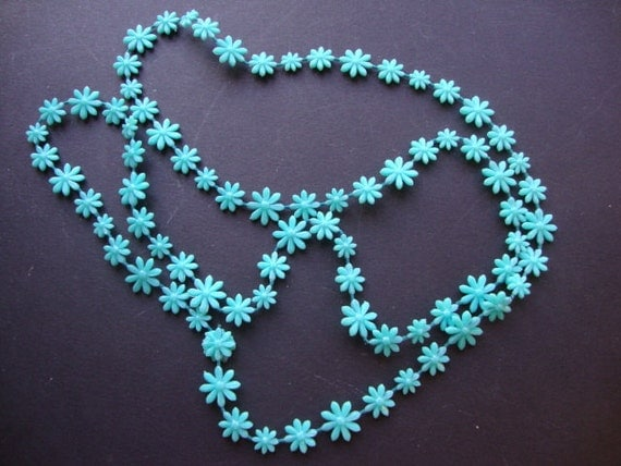 1960's Blue Flower Bead Necklace