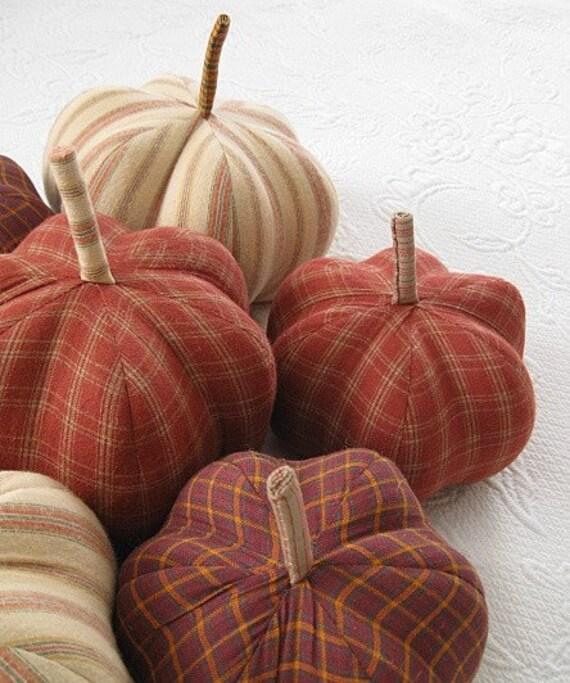 p U m P k I n - dark red / orange plaid flannel - medium - 18 inch round