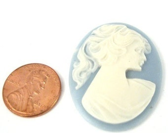 Ivory on Blue 30mm x 40mm Oval Acrylic Cameo, 1032-20