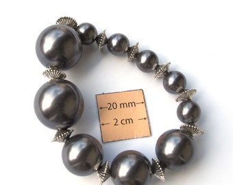 Dark Grey Pearl looking Beads, 20mm, 15mm and 10mm, Sold per 7 in Strand with metal spacers, 1016-31