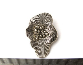 Antiqued Silver Metal 40mm x 30mm Flower Pendant, 1075-19