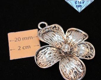 Silver Metal 50mm x 40mm Flower Pendant, 1065-23