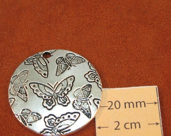 Antiqued Silver Metal Butterflies Pattern 30mm Round Pendant , 1030-34