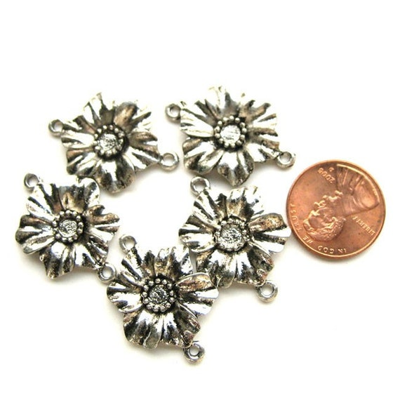 Antiqued Silver 25mm x 20mm 2-Loop Flower Connector/Link, Set of 5, 1027-27