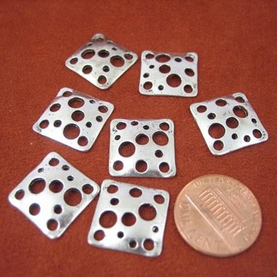 Antiqued Silver Metal 15mm x 15mm Square Connectors Set of 7 (B1006)