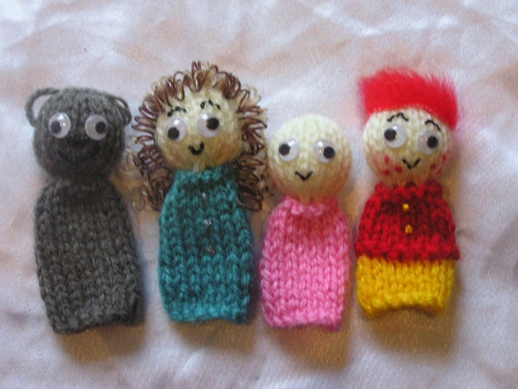 We're Going on a Bear Hunt Knitted Fingerpuppets