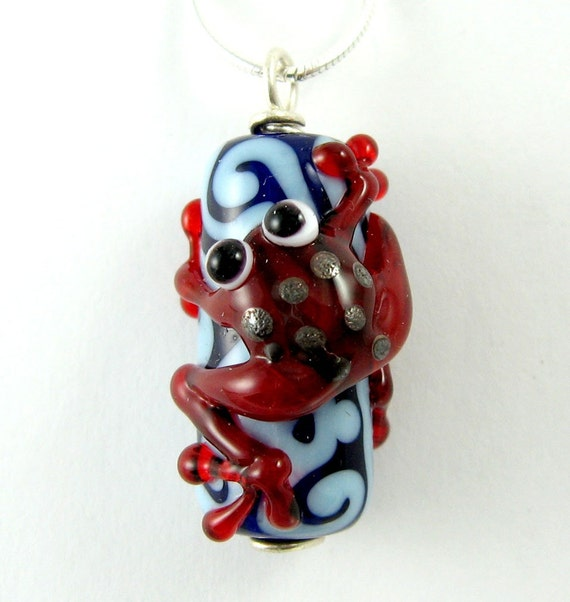 Lampworked Glass Frog Pendant