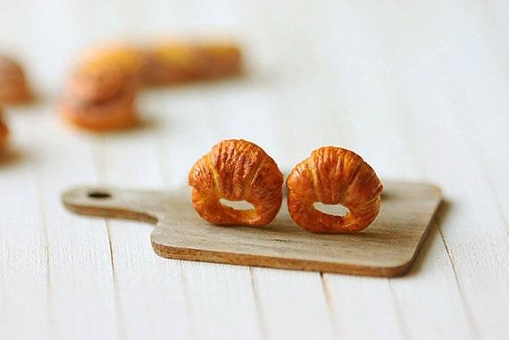 Food Earrings - Croissant Earrings - Gifts Under 25