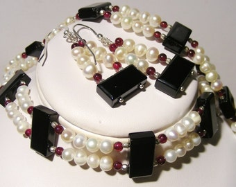 Onyx, Garnet and Pearl Parure - Choker Necklace, Bracelet and Earring Set