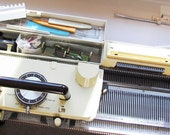Knitting Machine SINGER SK360 Memo-Matic for Machine Knitting Standard 4.5mm Gauge Punch Card Machine