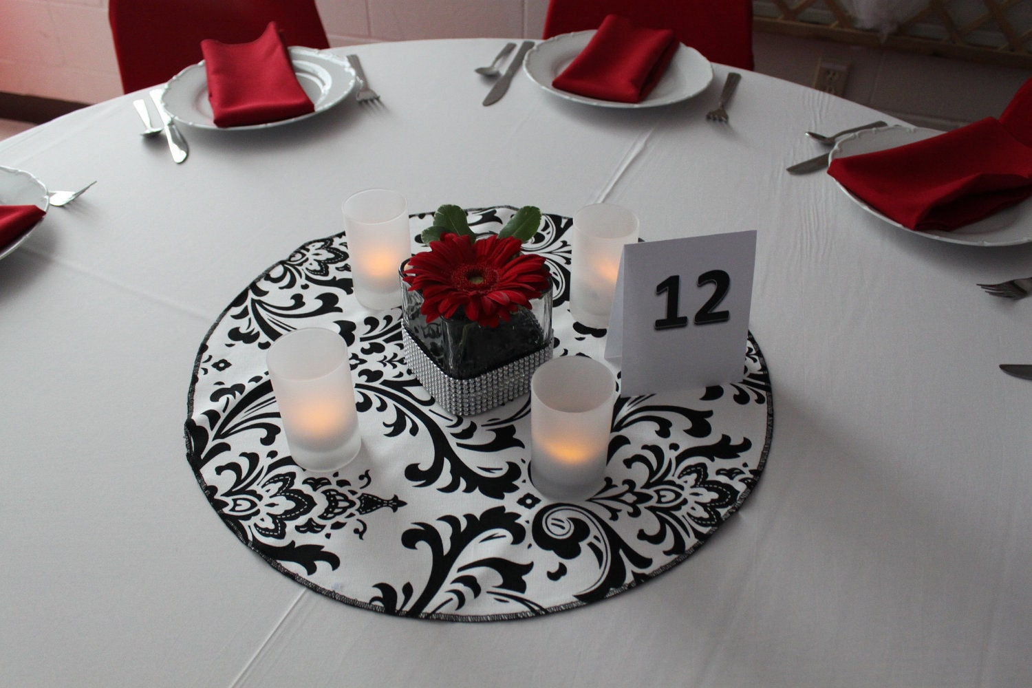 damask table round for centerpieces cotton damask table. Black Bedroom Furniture Sets. Home Design Ideas
