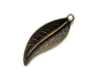 4pcs 11x30mm antique bronze leaf charms pendants (J390)