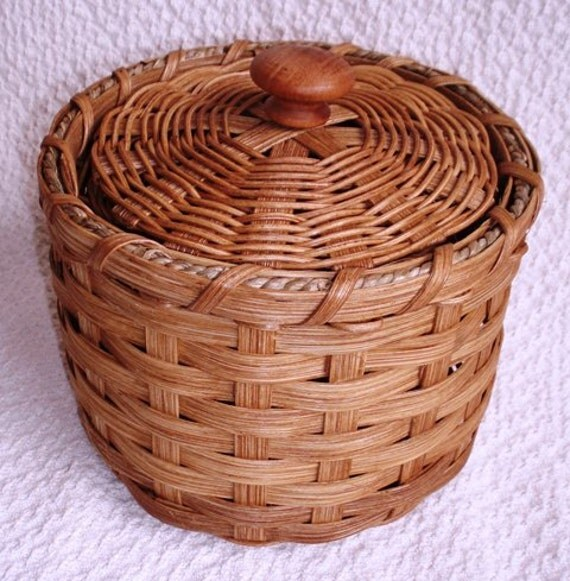 Basket with Lid handwoven plain