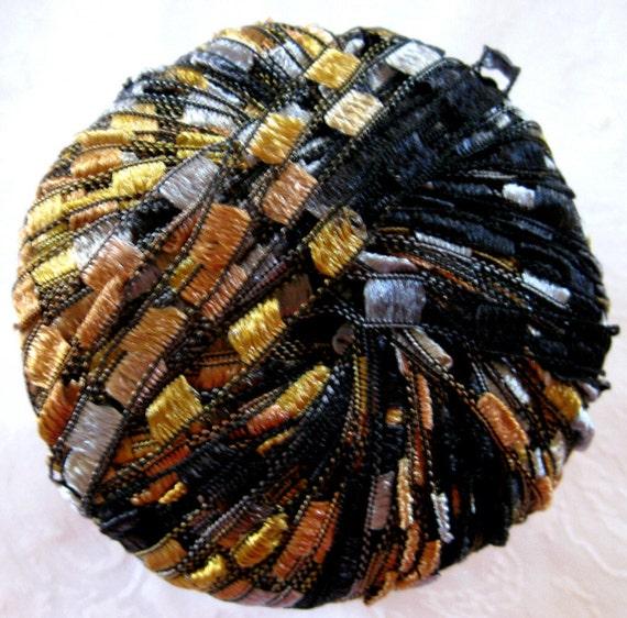 Berlini Ladder Ribbon Maxi Yarn,  Maharaja 82,  black gold blue ribbon yarn, trellis yarn