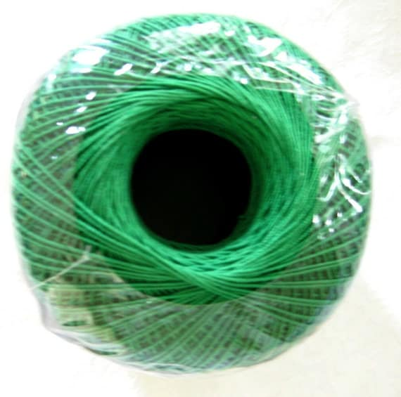 Aunt Lydias Classic Crochet Cotton Thread, KERRY GREEN, size 10, grass green