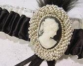 Wedding garter LADY in the CAMEO Wedding garter Black and Ivory a Peterene Original
