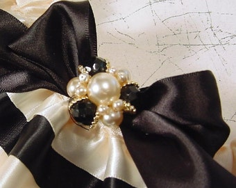 wedding garter NATALIE a variation of the TAILORED style an exclusive  PETERENE design
