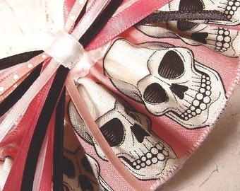 Wedding garter PINK SKULL  Pretty Scary FUN