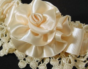 wedding garter VICTORIAN LADY  wedding Garter  Ivory