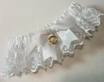 Irish Lace Wedding Garter with Claddagh Charm HEIRLOOM ELEGANCE