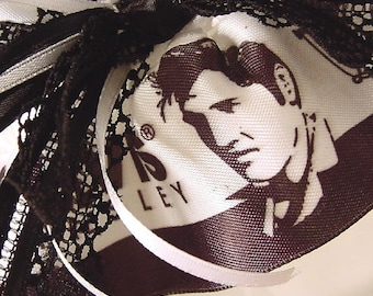 Wedding garter The ORIGINAL ELVIS at your WEDDING garter black and white satin and lace. Prom