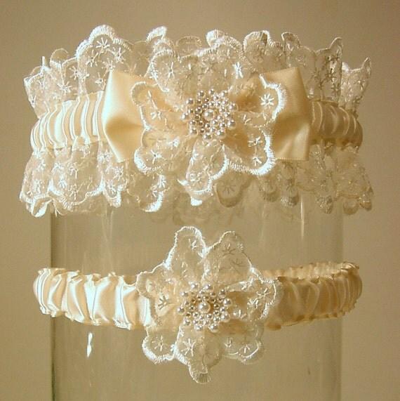 wedding garter set lovely Louise Ivory  keep and toss set Heirloom Elegance
