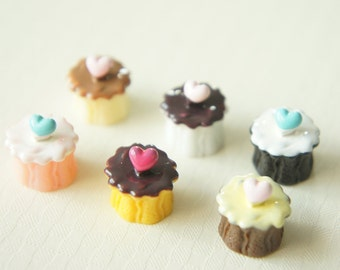 SALE 6 pcs Small Cupcake Heart On Cabochon (13mm) CD280-2