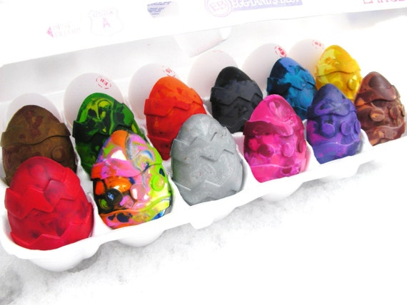 SALE limited edition12pack of EASTER EGG CRAYONS 25 perfect off
